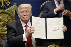 Green Card Holders Not To Be Affected by Trump's Travel Ban